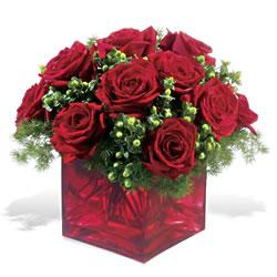 Ankara batıkent çiçek yolla  9 adet kirmizi gül cam yada mika vazoda