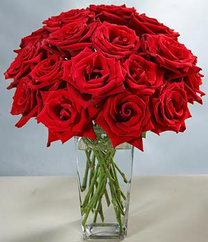 Ankara lalegül çiçek siparişi sitesi  Sevdiklerinize özel ürün 12 adet cam içerisinde kirmizi gül  Ankara ivedik hediye çiçek yolla