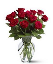 Ankara ostim çiçek gönderme sitemiz güvenlidir  cam yada mika vazoda 10 kirmizi gül