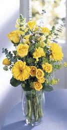 Ankara yenimahalle online çiçek gönderme sipariş  sari güller ve gerbera cam yada mika vazo