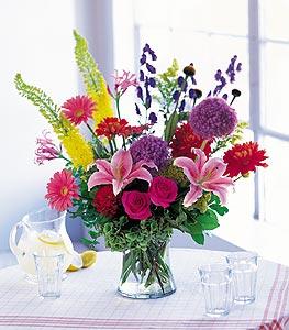 Ankara cicekciler , cicek siparisi  karisik mevsimsel çiçeklerden hos bir vazo tanzimi
