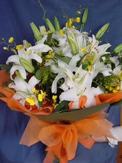 Ankara karacakaya internetten çiçek satışı  5 ADET KAZABLANKA BUKETI KALITEDEN SASMAYANLARA