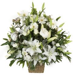 sepet içerisinde karisik mevsim çiçekleri  Ankara varlık mahallesi çiçek siparişi vermek