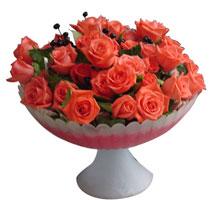 Ankara uluslararası çiçek gönderme  cam vazo içinde güller