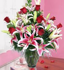 Ankara yenimahalle İnternetten çiçek siparişi  harika vazo tanzimi gül - kazab