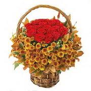 Ankara yurtiçi ve yurtdışı çiçek siparişi  Sepet içerisinde 9 adet kirmizi gül ve kir çiçegi