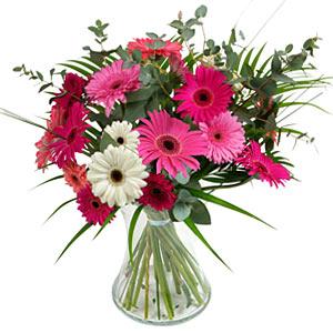 15 adet gerbera ve vazo çiçek tanzimi  Ankara yenimahalle online çiçek gönderme sipariş