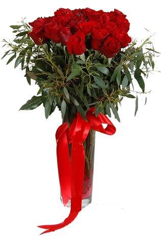 15 adet kirmizi gül cam vazo içerisinde  Ankara karacakaya internetten çiçek satışı