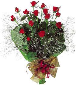 11 adet kirmizi gül buketi özel hediyelik  Ankara gazi mahallesi çiçekçi mağazası