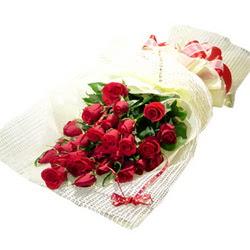 Çiçek gönderme 13 adet kirmizi gül buketi  Ankara gimat çiçek satışı