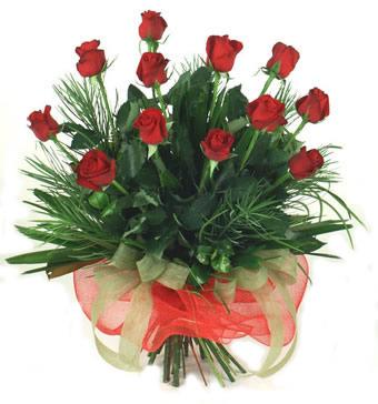 Çiçek yolla 12 adet kirmizi gül buketi  Ankara kardelen güvenli kaliteli hızlı çiçek