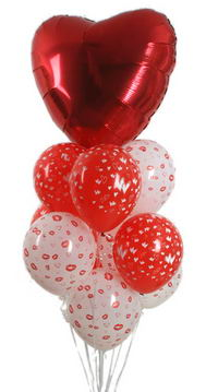21 adet kalp ilaveli uçan balon demeti