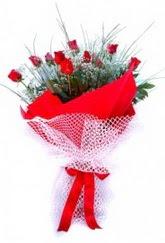 Ankara yenimahalle İnternetten çiçek siparişi  9 adet kirmizi gül buketi demeti