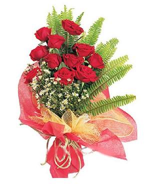 Ankara yenimahalle İnternetten çiçek siparişi  11 adet kırmızı güllerden buket modeli