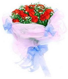 Ankara lalegül çiçek siparişi sitesi  11 adet kırmızı güllerden buket modeli