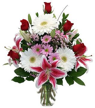 Ankara hacettepe çiçek mağazası , çiçekçi adresleri  1 dal kazablanka 5 gül ve kırçiçeği vazosu