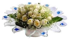 Ankara bilkent çiçek online çiçek siparişi  11 adet Beyaz güller özel cam tanzim