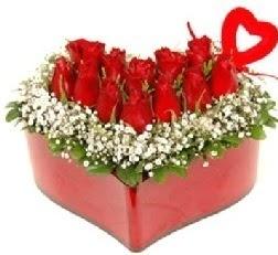 Kalp içerisinde 9 kırmızı gül kalp çubuk  Ankara şentepe internetten çiçek siparişi