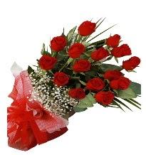 15 kırmızı gül buketi sevgiliye özel  Ankara ostim çiçek gönderme sitemiz güvenlidir