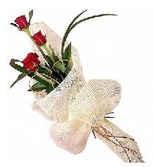 3 adet kırmızı gül buketi  Ankara kardelen güvenli kaliteli hızlı çiçek