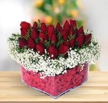 15 kırmızı gülden kalp mika çiçeği  Ankara gimat çiçek satışı