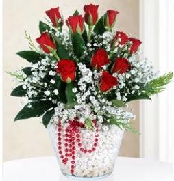 9 adet kırmızı gül cam içerisinde  Ankara ümitköy çiçek servisi , çiçekçi adresleri