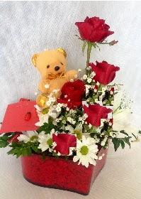 Mika kalp 5 Kırmızı gül ayıcık ve krizantem  Ankara yenimahalle İnternetten çiçek siparişi