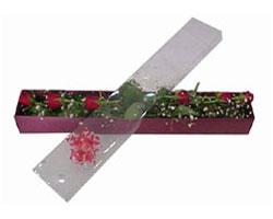 Ankara anneler günü çiçek yolla   6 adet kirmizi gül kutu içinde