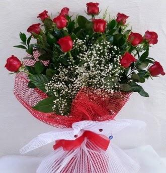 Kız isteme çiçeği buketi 13 adet kırmızı gül  Ankara yenimahalle İnternetten çiçek siparişi