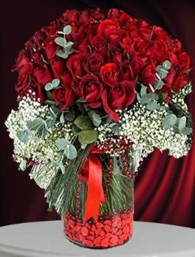 Cam vazoda 51 adet gül söz nişan çiçeği  Ankara sincan çiçek gönderme