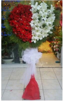 Özel üstü özel kalp çiçek tanzimi  Ankara ostim çiçek gönderme sitemiz güvenlidir