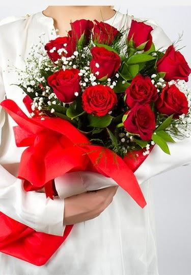 Aşk Gülleri 11 Adet kırmızı gül buketi  Ankara eryaman çiçekçi telefonları