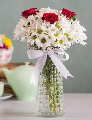 Papatya Ve Güllerin Uyumu camda  Ankara ostim çiçek gönderme sitemiz güvenlidir