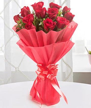 12 adet kırmızı gülden modern buket  Ankara batıkent çiçek yolla