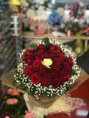 21 adet gül söz nişan çiçeği  Ankara ostim çiçek gönderme sitemiz güvenlidir